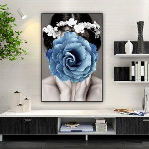 Tranh đơn cô gái và bông hoa xanh CV0190