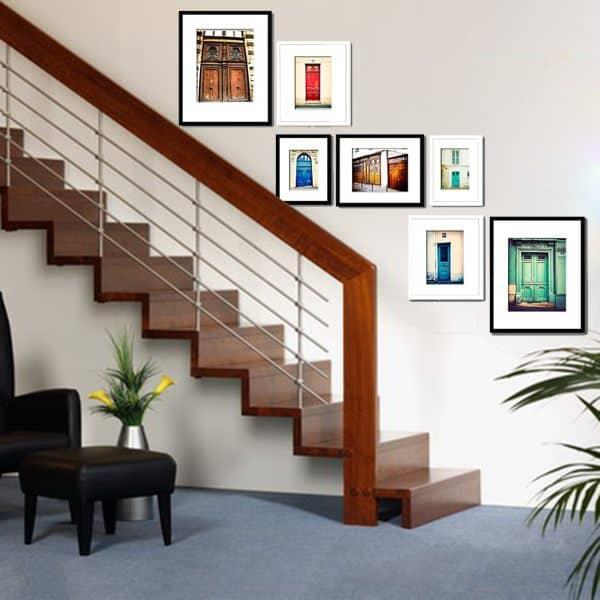 Tranh treo tường cầu thang cần sáng và nổi bật